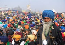 Gli agricoltori indiani contro lo strapotere delle multinazionali