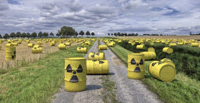 I traffici radioattivi che avvelenano l'Italia